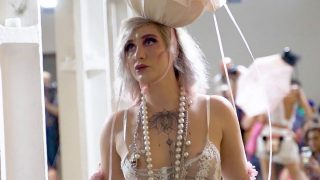 Open bra see through Model in Fashion show